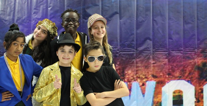 Hollywood Dreams - St Paul Apostle South Primary School